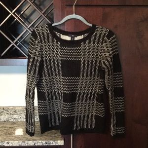 Gap black/white sweater (size small)